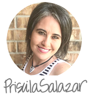 Priscila Salazar firma
